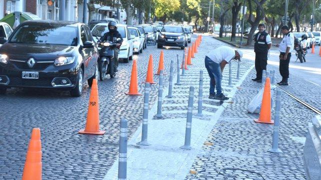 A días de inaugurarse, ya refuerzan la señalización de la avenida de la Costa