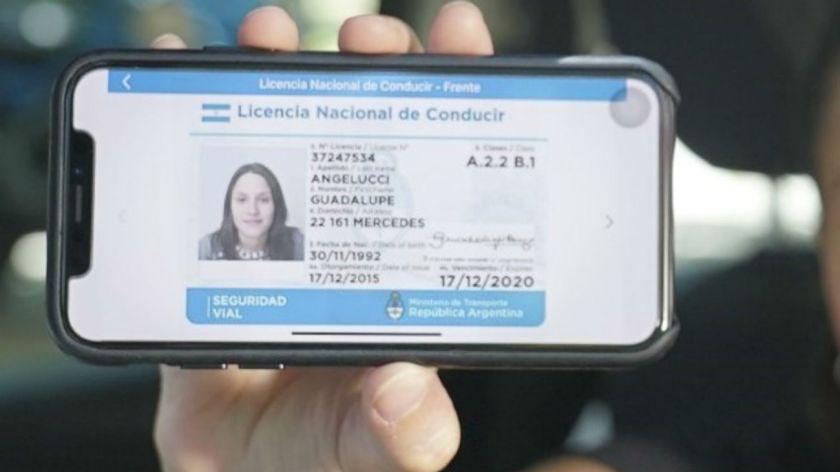 Aclaran que aún no está vigente en Rosario la licencia de conducir virtual