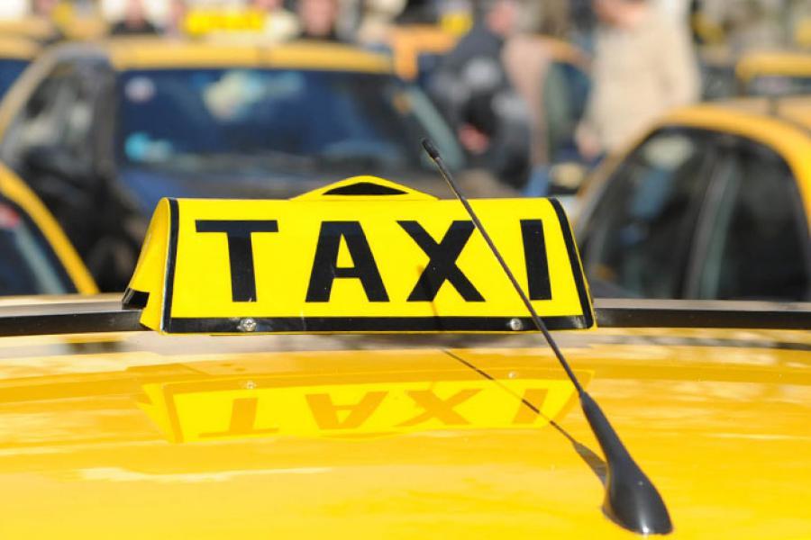 Acuerdo en el Concejo para subir la tarifa de taxis un 25 por ciento