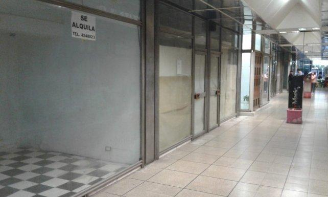 Advierten que subió 15% la cantidad de locales cerrados en la ciudad