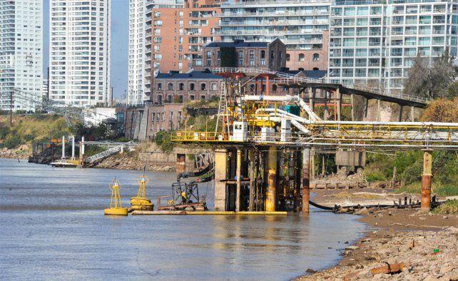 Aguas advierte que por la bajante del río puede haber problemas de presión