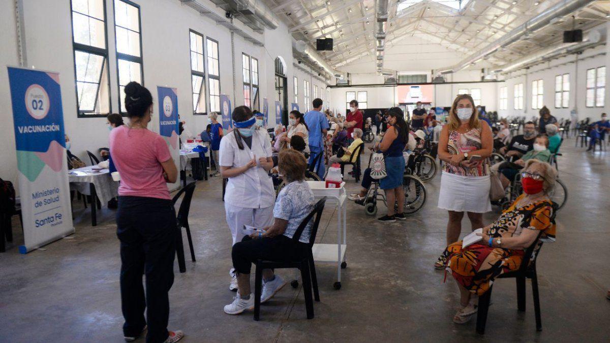 Avanza la vacunación y estiman que en Santa Fe habrá inmunidad colectiva en 40 días