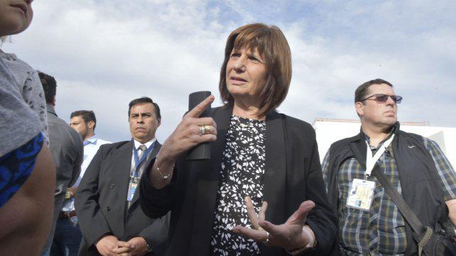 Bullrich reclamó a Central y Newell`s más compromiso contra la violencia