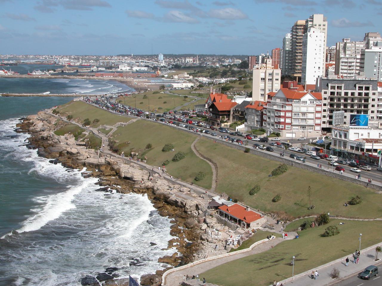 Centros turísticos expresan preocupación ante la idea del gobierno de eliminar feriados puente
