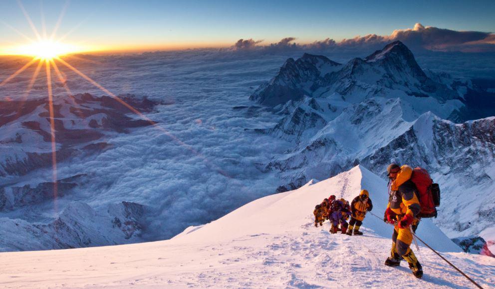 Cómo hay que prepararse para escalar el Everest cómo lo hizo Facundo Arana