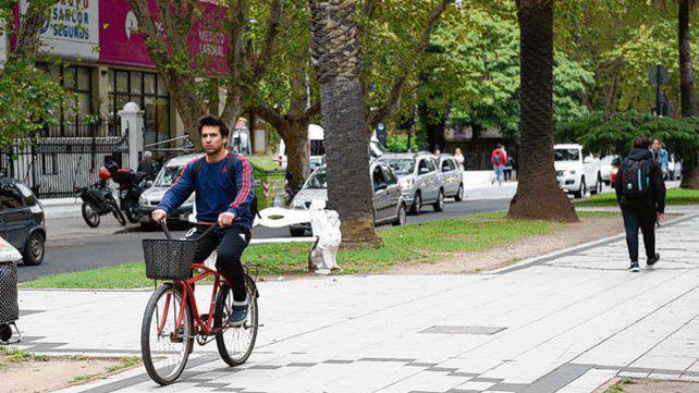 Con retoques, el municipio apoya la ciclovía de Oroño