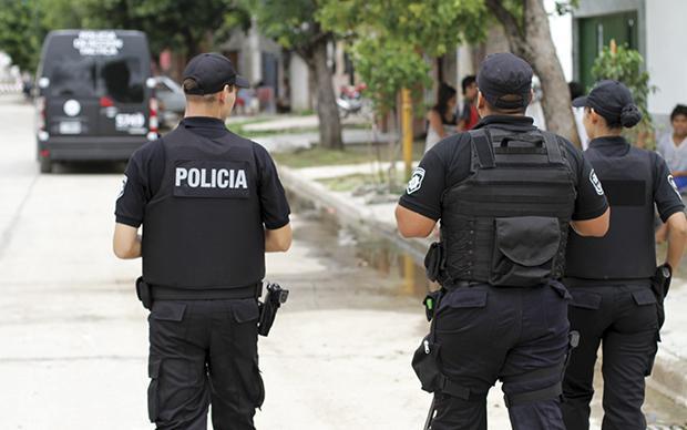 Confirman que 130 policías fueron pasados a disponibilidad por irregularidades