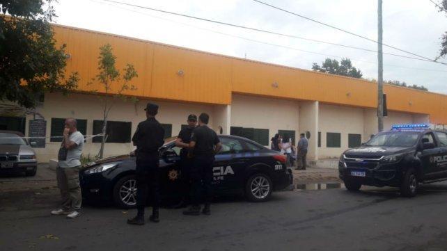 Conmoción por una balacera frente a una escuela en barrio Las Flores