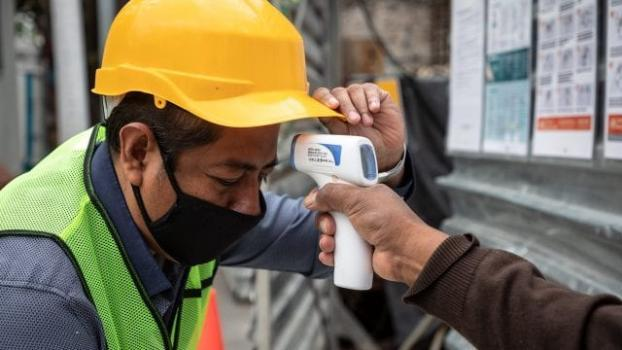Constructores denuncian falta de insumos y advierten que habrá obras paralizadas