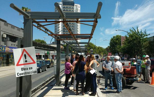 Cuestionan los cambios de tránsito y estacionamiento por el Movibus de Alberdi
