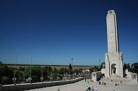 Cuestionan que la refacción del Monumento quede en manos de un primo de Macri