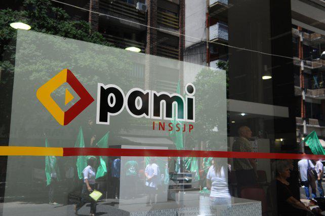 Denuncian falta de atención fatal a un jubilado en Pami Rosario