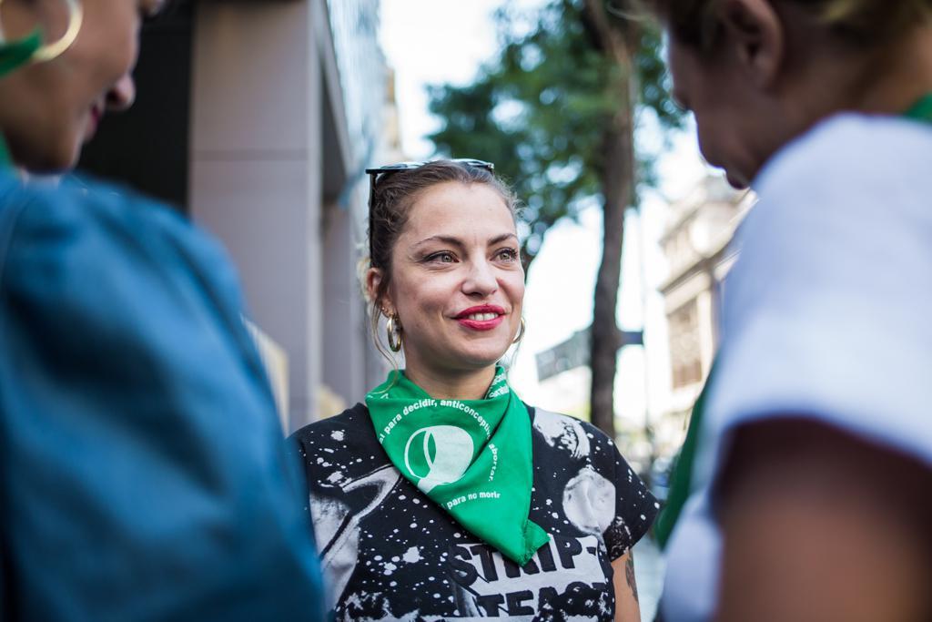 Dolores Fonzi, durísima contra Gabriela Michetti por el aborto