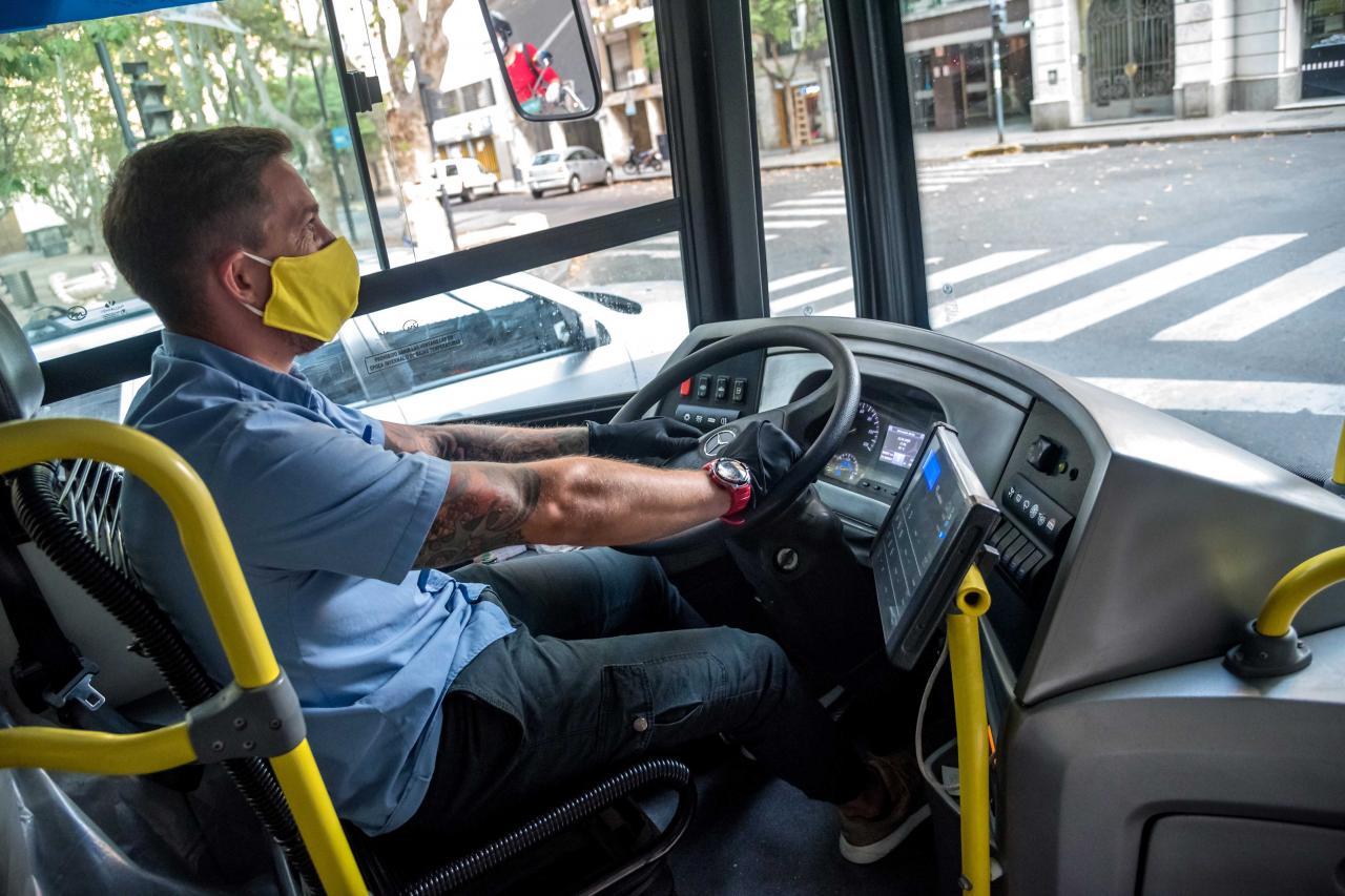 Duplicaron los subsidios al transporte y garantizan tres meses sin paros