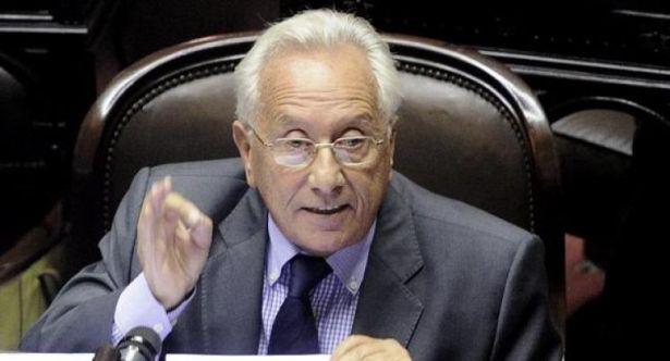 Durísimas críticas del kirchnerismo al ministro Aranguren por su defensa del tarifazo