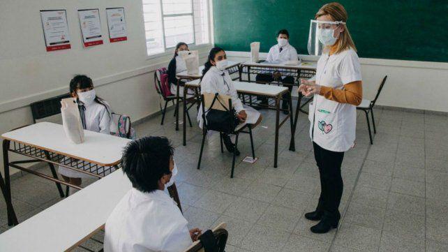 Educación quiere encuentros presenciales en diciembre en escuelas de Santa Fe