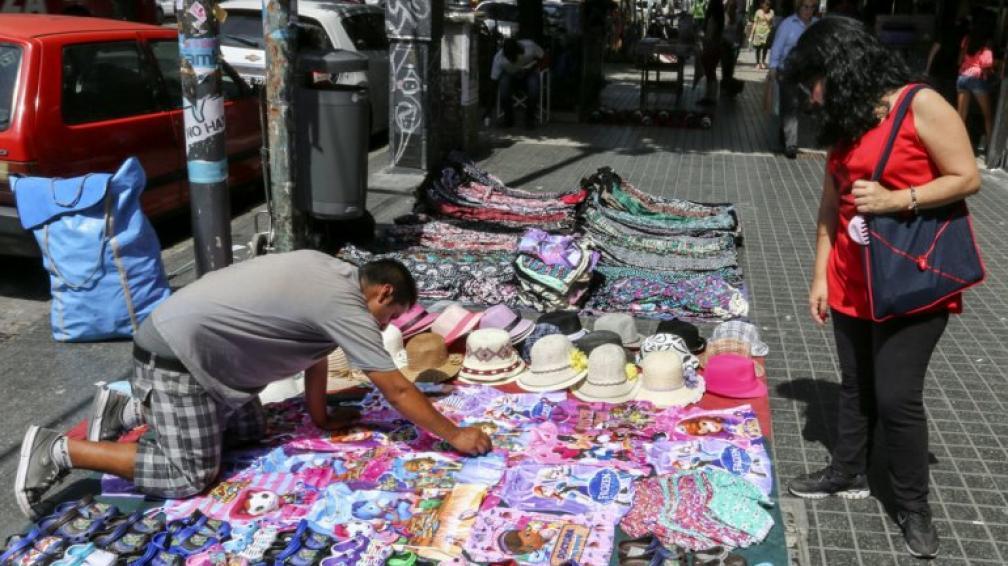 El gremio de vendedores ambulantes acusa de cobrar coimas a Control Urbano