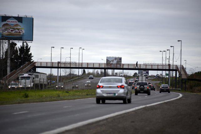 La policía defendió los controles en la autopista a Córdoba y negó zonas liberadas