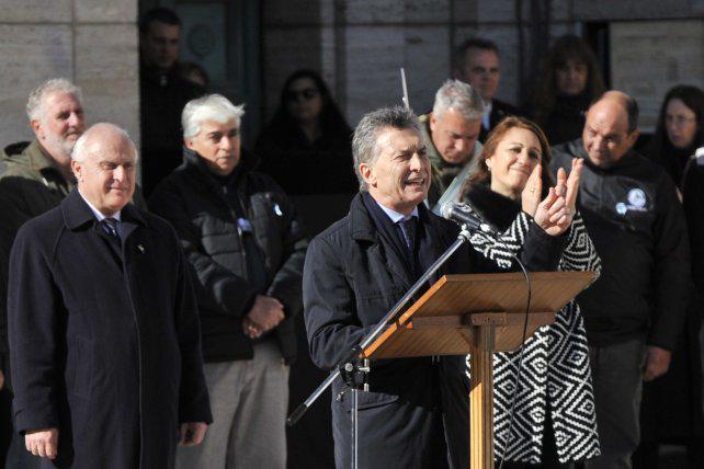 El Ministerio de Educación cuestionó la arenga de Macri a los alumnos en el Monumento