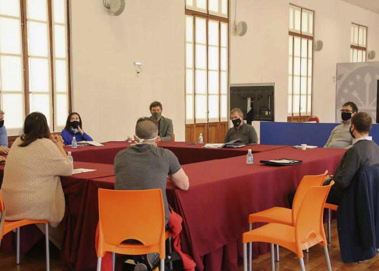 El municipio admite dificultades para sostener limitaciones rígidas a la actividad productiva