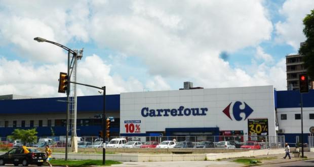 El municipio confirmó que Coto y Carrefour podrán abrir el primer domingo hábil de enero