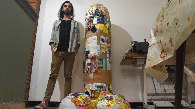 El municipio toma distancia de la escultura del pene gigante
