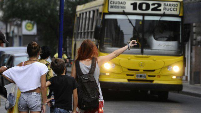 El PJ propone municipalizar el transporte urbano en Rosario