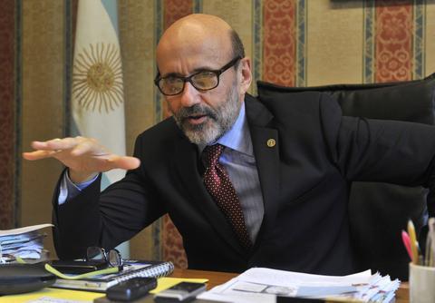 El Rector Floriani minimizó la intoxicación masiva en la fiesta de la UNR