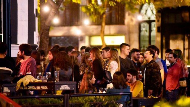 Empresarios van a la Justicia para revertir el freno de habilitaciones en bares en Pichincha