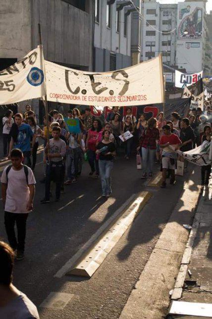 Estudiantes rechazan la evaluación del Ministerio de Educación de la Nación