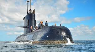 Familiares de la tripulación del submarino afectados por la falta de datos