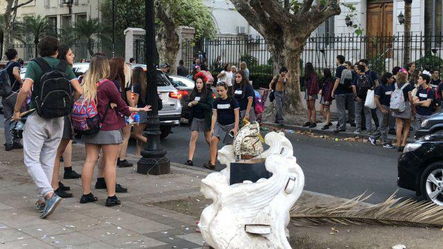 """Festejos sin incidentes en el """"primer último día de clases"""""""