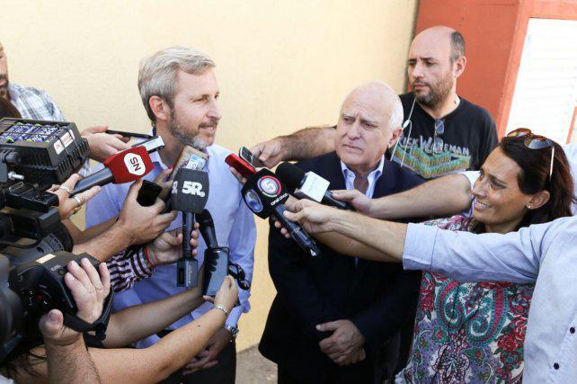 Frigerio negó recortes pero exige que el municipio se haga cargo del transporte