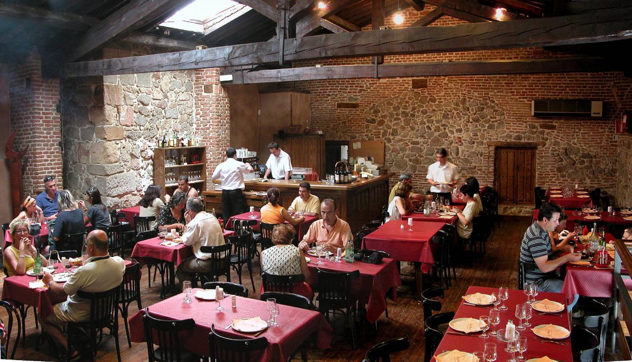 """Gastronómicos contra la """"excesiva"""" regulación de la actividad en Rosario"""