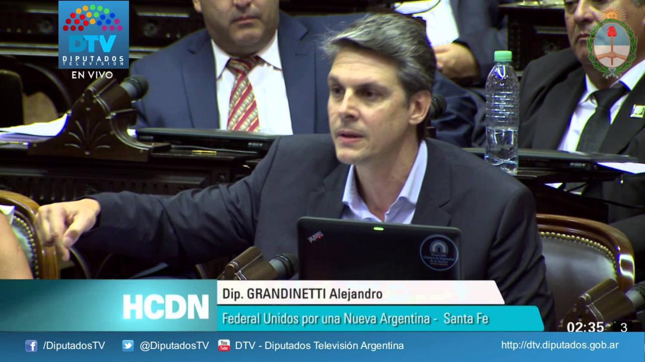 """Grandinetti: """"Pasamos del vamos por todo K al de Macri"""""""
