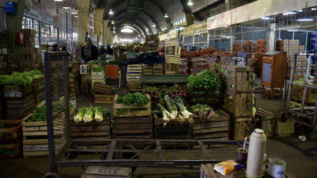Hallaron agrotóxicos en frutas y verduras que se consumen en Rosario