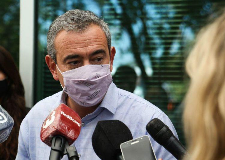 """Javkin: """"El 25% de los internados en camas críticas de la ciudad no son de Rosario"""""""