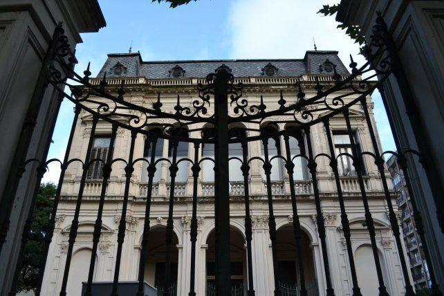 Judiciales santafesinos adelantan paro contra Macri por un asueto local