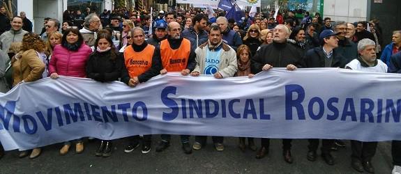 """La CGT Rosario advierte que """"las bases"""" piden un paro general a Macri"""