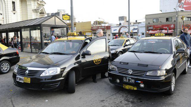 La cooperativa de taxis de la terminal niega actos violentos
