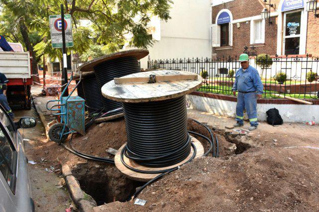 La EPE denunció a tres empleados por robar cables por unos $2 millones