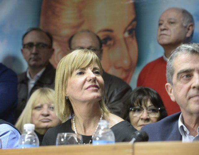 La ex jueza Rodenas se lanzó a diputada por el PJ con durísimas críticas a Macri
