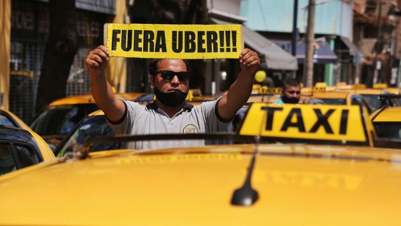 La mayoría de los rosarinos avala la llegada de Uber y las restricciones por la pandemia