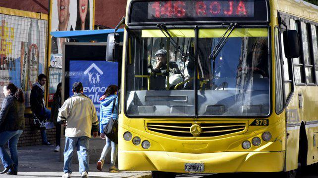 La quita de subsidios nacionales al transporte recarga el boleto local en $8