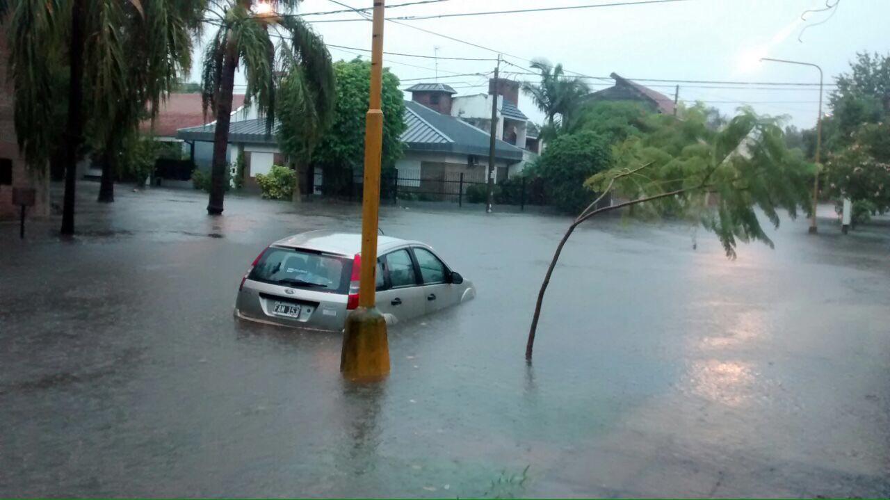 Las intensas lluvias dejaron decenas de evacuados en Santa Fe