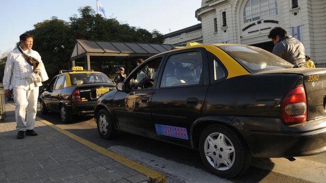 Mujeres taxistas denuncian acosos en la Terminal