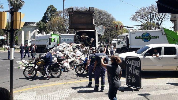 Multa de 100 mil pesos por una protesta violenta de recolectores