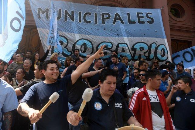 """Municipales en pie de guerra contra """"el cepo a las paritarias"""""""