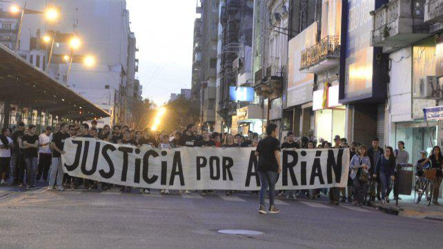 Músicos denuncian que nada cambió en la noche local tras la tragedia del Café de la Flor