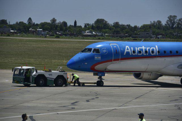 Nación amenaza clausurar el aeropuerto el viernes si no arreglan baches y grietas